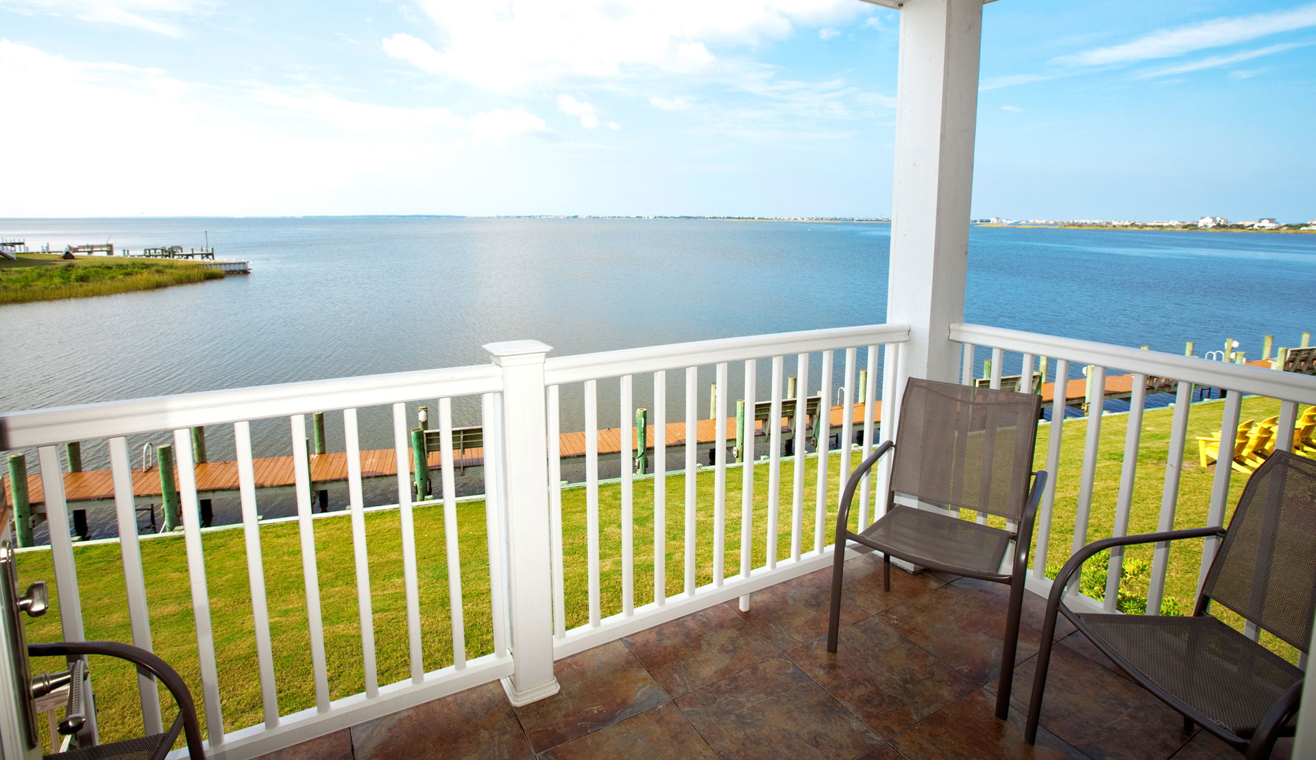 Welcome to oasis suites hotel nags head outer banks for Balcony sessions