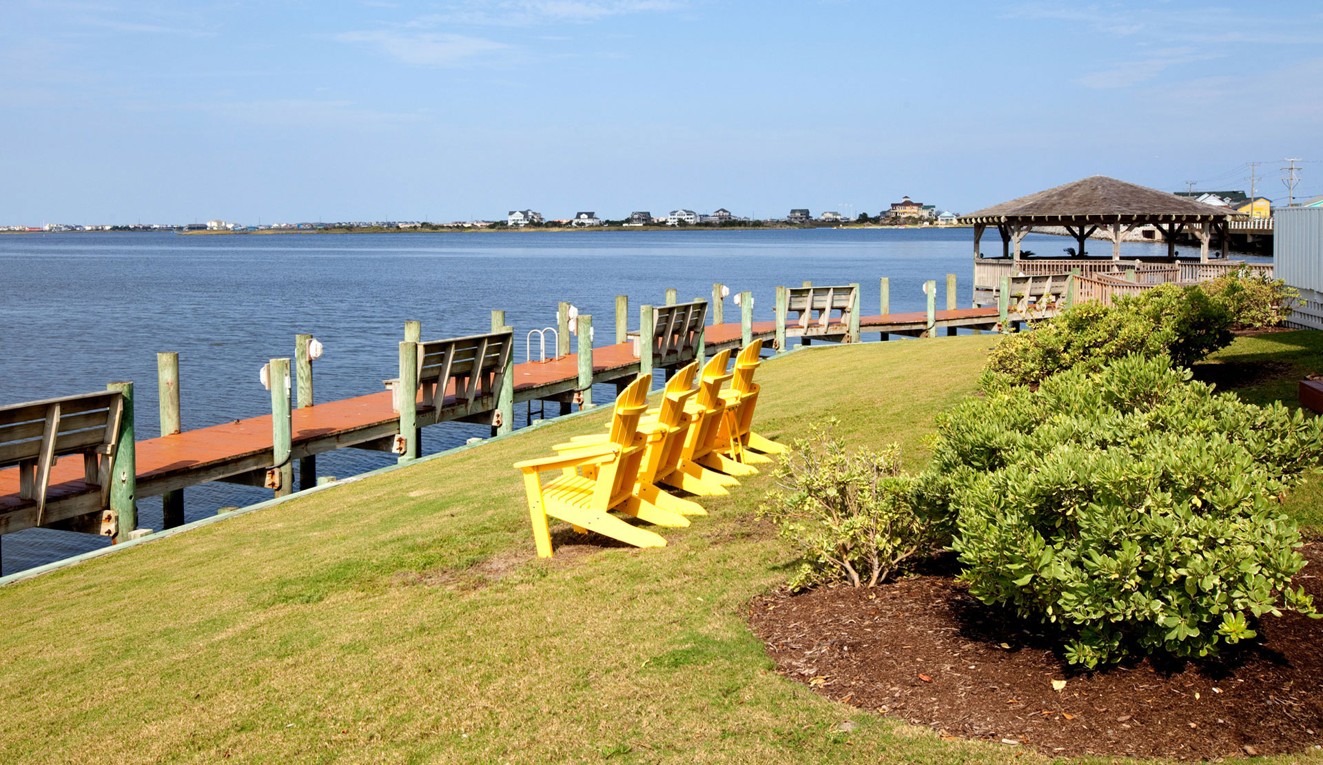 05-Yellow-chairs-soundview